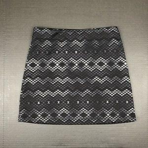 Athleta Triangle Print Fleece Lined Skirt Small